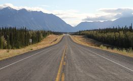 Eindeloos weg/Alaska Royalty-vrije Stock Fotografie