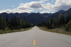 Eindeloos weg/Alaska Royalty-vrije Stock Afbeelding