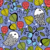 Eindeloze creatieve achtergrond met krabbelvogels met bladeren en bessen Stock Foto
