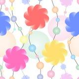 Eindeloze die halsband van bloemen en multicolored parels wordt gemaakt Royalty-vrije Stock Foto