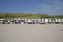 Eindeloze reeks strandhutten stock foto's
