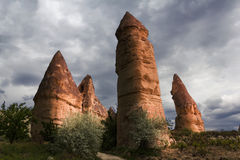Eindeutige geologische Bildungen, Cappadocia lizenzfreie stockbilder