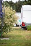 Eindrücke auf einem Campingplatz an einem sonnigen Tag lizenzfreie stockfotos