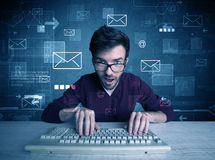 Eindringling, der E-Mail-Passwortkonzept zerhackt Stockfoto