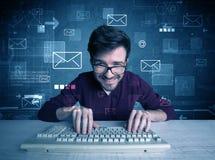 Eindringling, der E-Mail-Passwortkonzept zerhackt Lizenzfreies Stockfoto