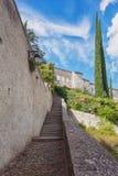 Eindruck des Dorfs Viviers in der Ardeche-Region von Franken stockfotografie