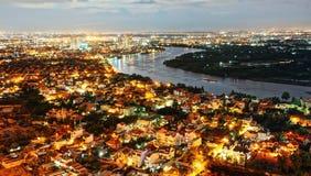 Eindrucksnachtlandschaft von Ho Chi Minh-Stadt von der hohen Ansicht Stockfotos