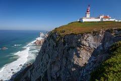 Eindrucksvolle felsige Küstenlinie lizenzfreies stockbild