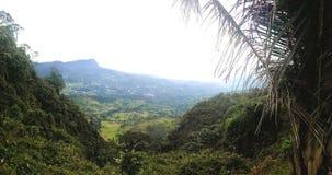 Eindrucksvolle Landschaft, welche die schöne kolumbianische Natur reflektiert stockbild