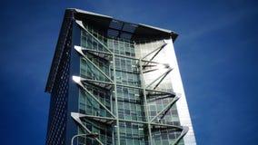 Eindrucksvolle moderne Turmarchitektur in Den Haag Lizenzfreie Stockfotos