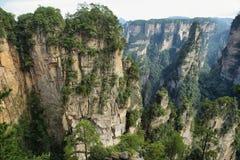 Eindrucksvolle Sandsteinsäulen in Yuangjiajie-Bereich Lizenzfreies Stockfoto