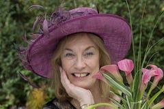 Eine ältere Dame, mit Hut Stockfotografie