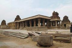 Eine allgemeine Ansicht des Krishna Temple-Komplexes, Hampi, Karnataka Heilige Mitte Ansicht vom Südosten stockbild