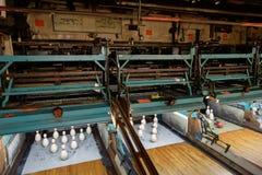 Eine alte Duckpin-Bowlingbahn Lizenzfreie Stockbilder