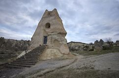Eine alte Kirche gemacht vom Felsen bei Cappadocia lizenzfreie stockbilder