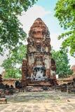 Eine alte Ruine der Statue Buddha und der Pagode in historischem Park O Stockfoto