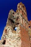 Eine alte ruinierte Kirche Stockbilder