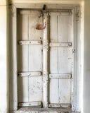 Eine alte alte Tür Stockbilder