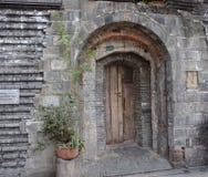 Eine alte Tür stockfotos