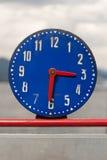 Eine alte Uhr Stockbild