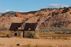 Eine amerikanische Ruine ein Blockhaus in der Wüste von Arizona Lizenzfreie Stockbilder