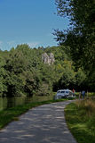 Eine Ansicht über den Nivernais-Kanal, Velo-Bahn Stockbilder