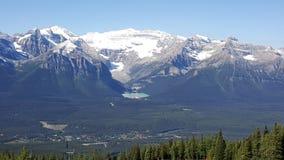 Eine Ansicht über Lake Louise Stockfotos