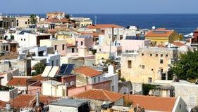 Eine Ansicht an den Dachspitzen von Kreta stockbild