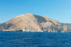 Eine Ansicht der Amalfi-Küste zwischen Sorrent und Positano Stockbilder