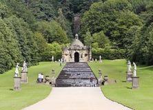 Eine Ansicht der Chatsworth Haus-Kaskade, England Stockbild