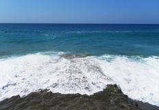 Eine Ansicht des Meeres vom Ufer Strand Stockbild