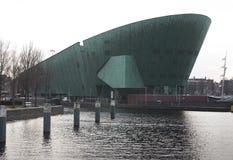 Eine Ansicht des NEMO- Wissenschafts-Museums, Amsterdam die Niederlande stockfotos