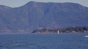 Eine Ansicht des Ozeans in der Hufeisenbucht stock footage