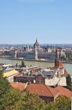 Eine Ansicht des ungarischen Parlaments lizenzfreie stockfotografie