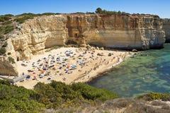 Eine Ansicht eines Praia de Benagil in Algarve-Region, Portugal, Europa Stockbilder