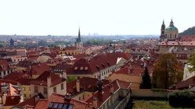 Eine Ansicht 4K von Prag von Prag Castel im Sommer, Tschechische Republik stock video