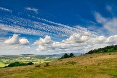 Eine Ansicht vom Pfadfinder Scar über dem englischen See Bezirk lizenzfreie stockfotografie