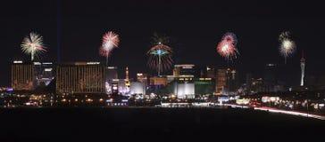 Eine Ansicht von den Las Vegas-Streifen-Feuerwerken, die Nord schauen Stockfotos