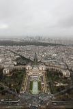 Eine Ansicht von der Spitze des Eiffelturms Stockfotografie