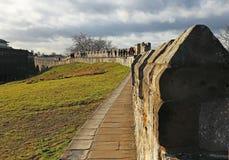 Eine Ansicht von Yorks Stadtmauern Stockbilder