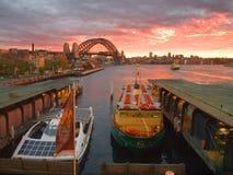 Eine Ansicht zu einer Brücke Lizenzfreies Stockfoto