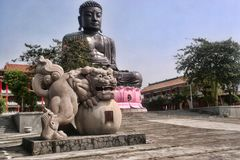 Eine ausgezeichnete Statue von Buddha in den Bergen, Taiwan Stockfoto