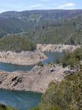 Eine australische Berglandschaft mit einem See Stockfoto