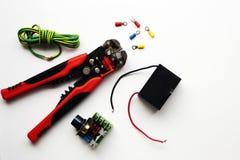 Eine Auswahl von elektrischen Komponenten stockfotografie