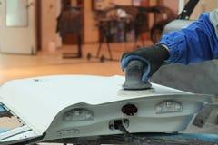 Eine Autoreparaturgarage stockfoto