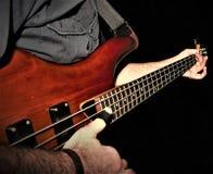 Eine Bass-Gitarrennahaufnahme Stockfotografie