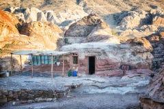 BedouinCavePetra Stockbild