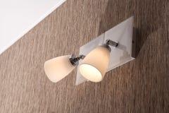 Eine Beleuchtungslampe mit Birnen Lizenzfreie Stockbilder