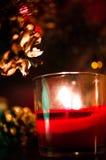 Eine brennende Kerze Stockfotos