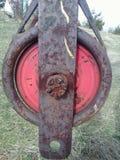 Eine Brunnen benutzte rostige Handkurbel Lizenzfreie Stockbilder